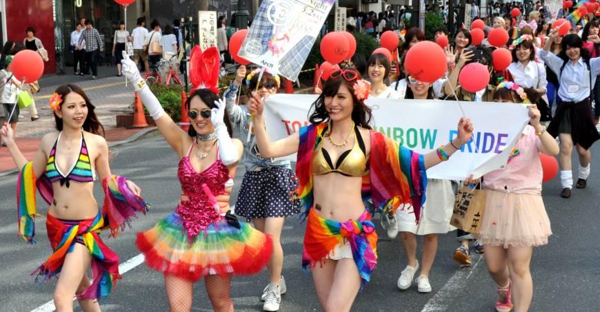 n-parade-a-20150427-870x453