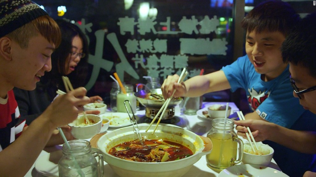 150804134856-great-american-stories-iowa-china-culture-clash-eating-hotpot-super-169