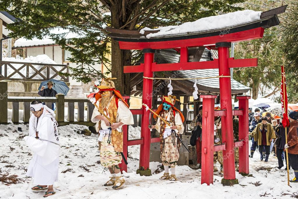 depositphotos_39527157-stock-photo-shinto-ceremony