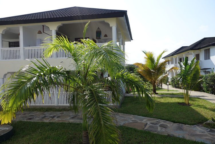 Morning Star Diani is situated 250m from the beach