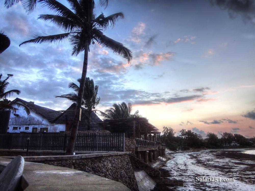 Watamu beach_hemmingways dawn