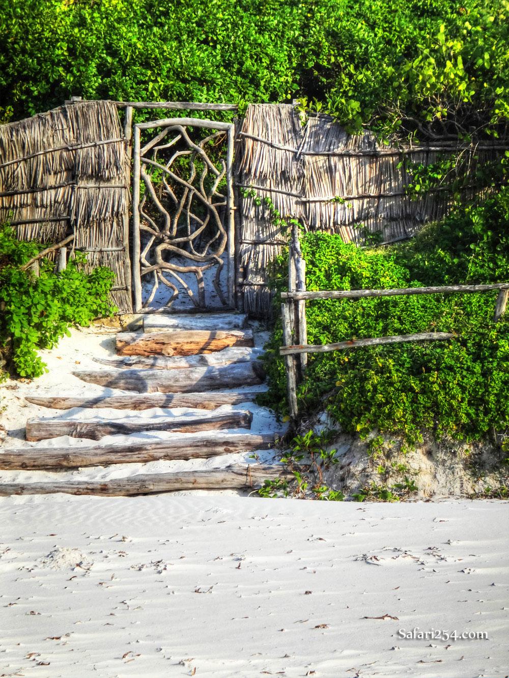 Watamu beach_sand stairway