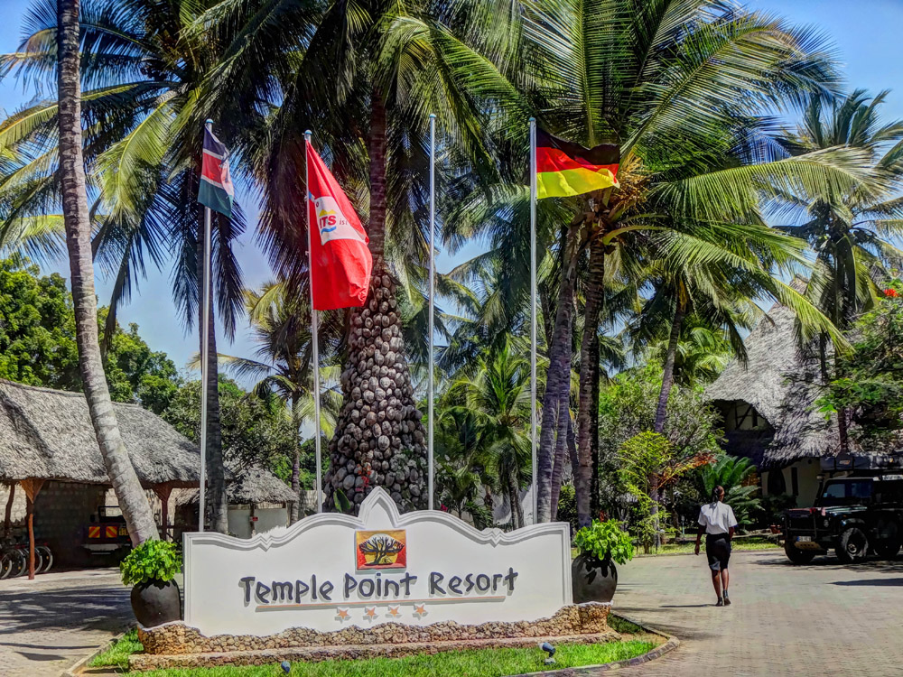 Temple Point Resort_Entrance
