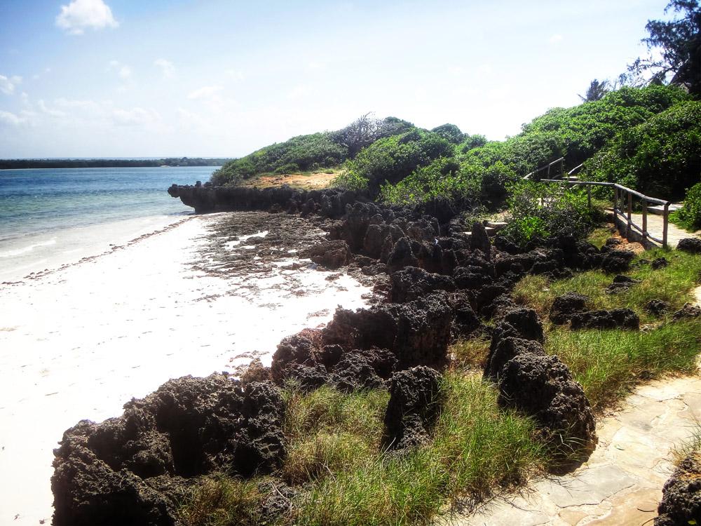 Temple Point Resort_Walkway to beach
