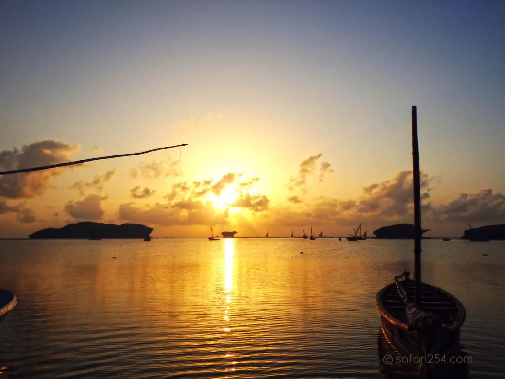 Watamu Beach_touch of gold15