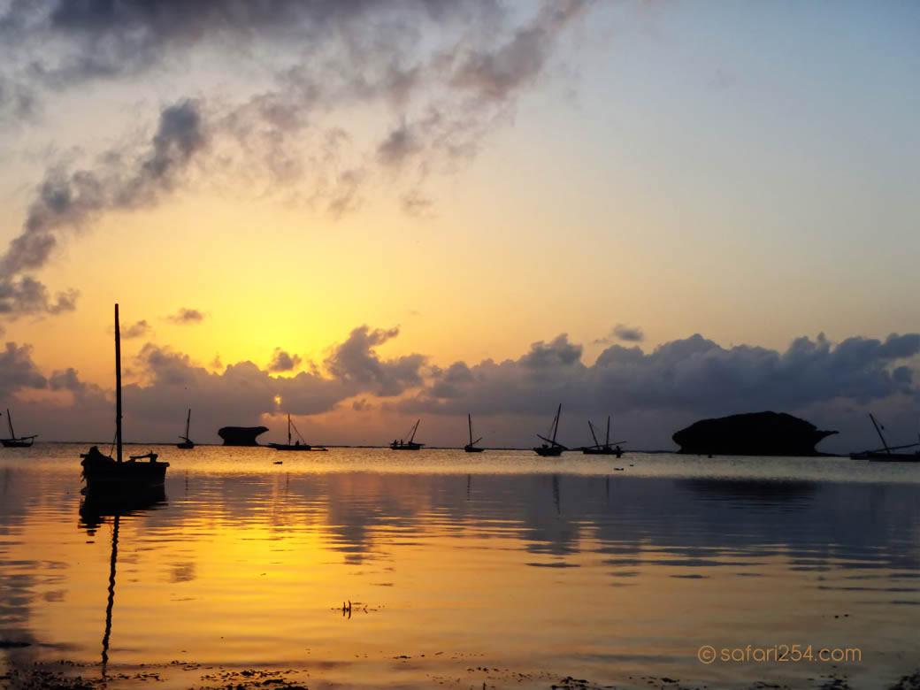 Watamu Beach_touch of gold3