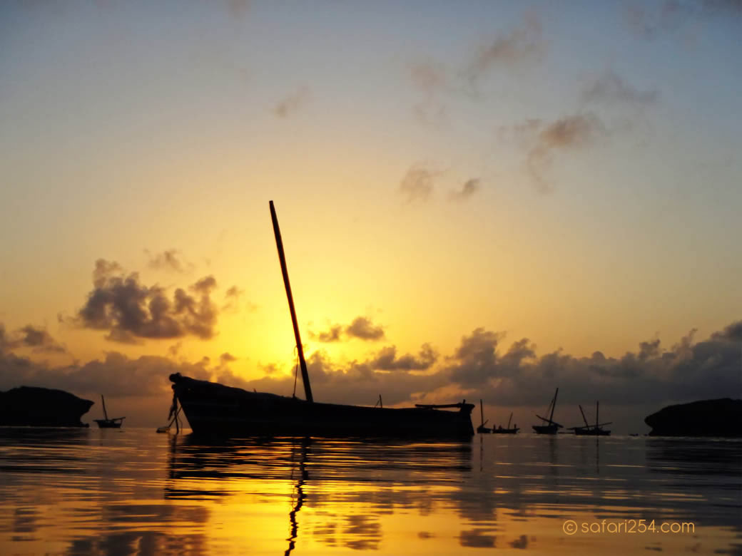 Watamu Beach_touch of gold6