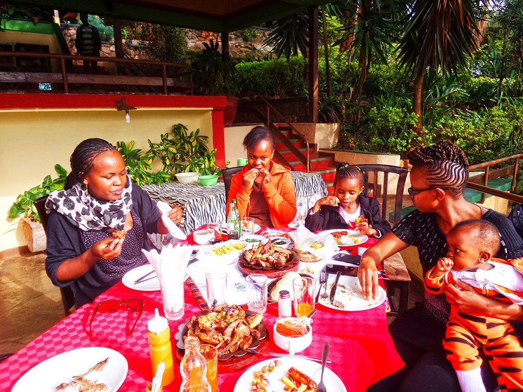Masai Lodge_Table