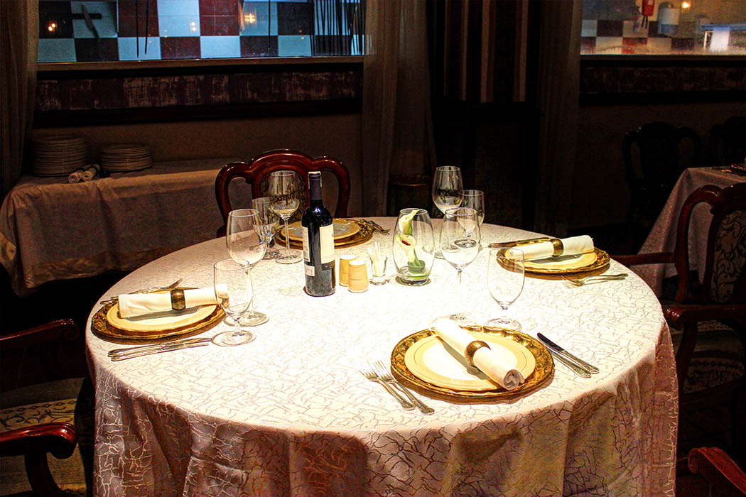 Bhandini Restaurant review_set table