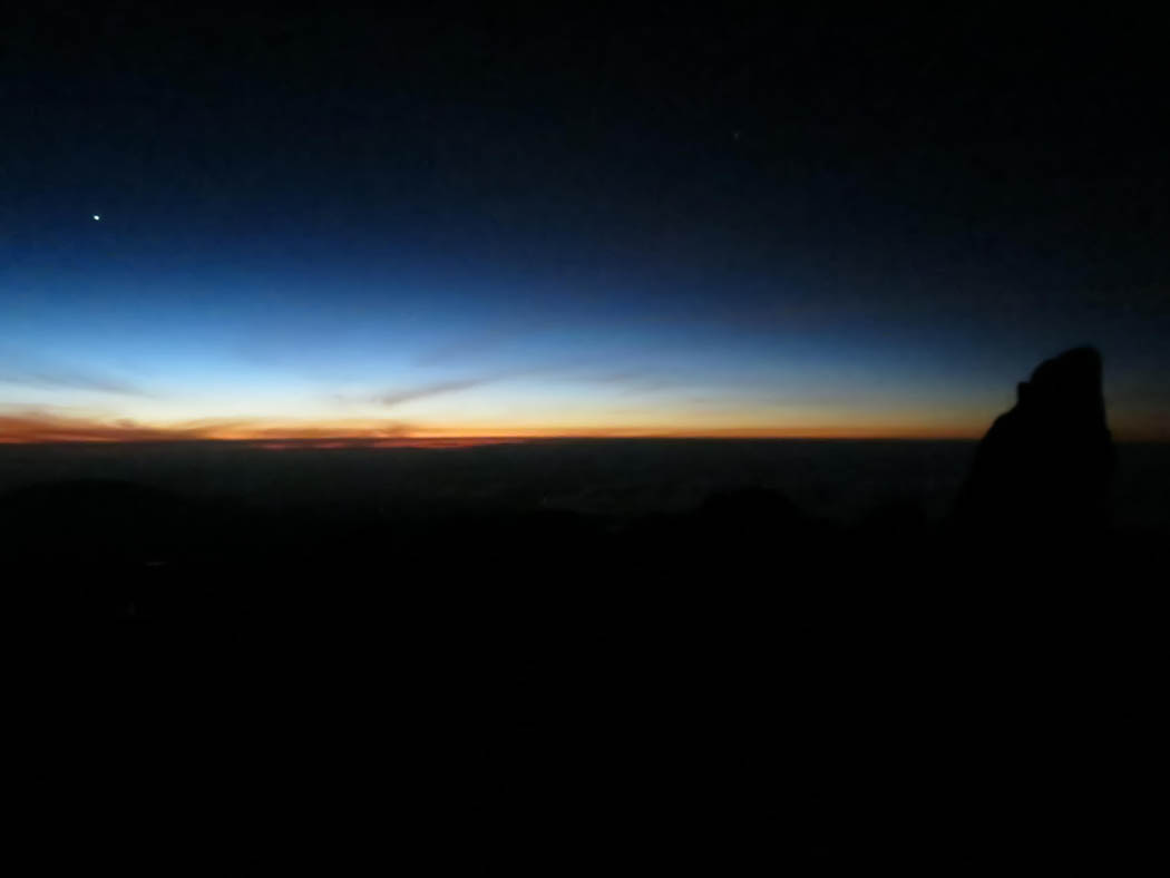 Mount Kenya_ascent dawn