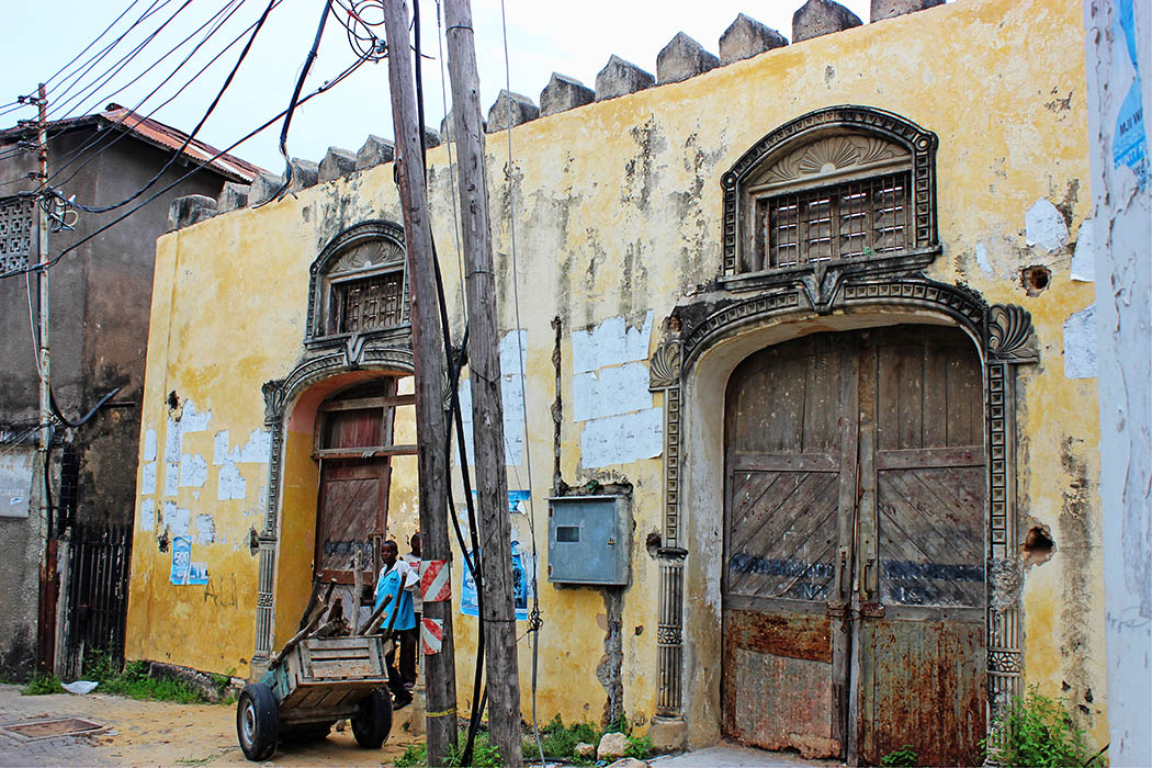 Mombasa Old Town_Huge doors