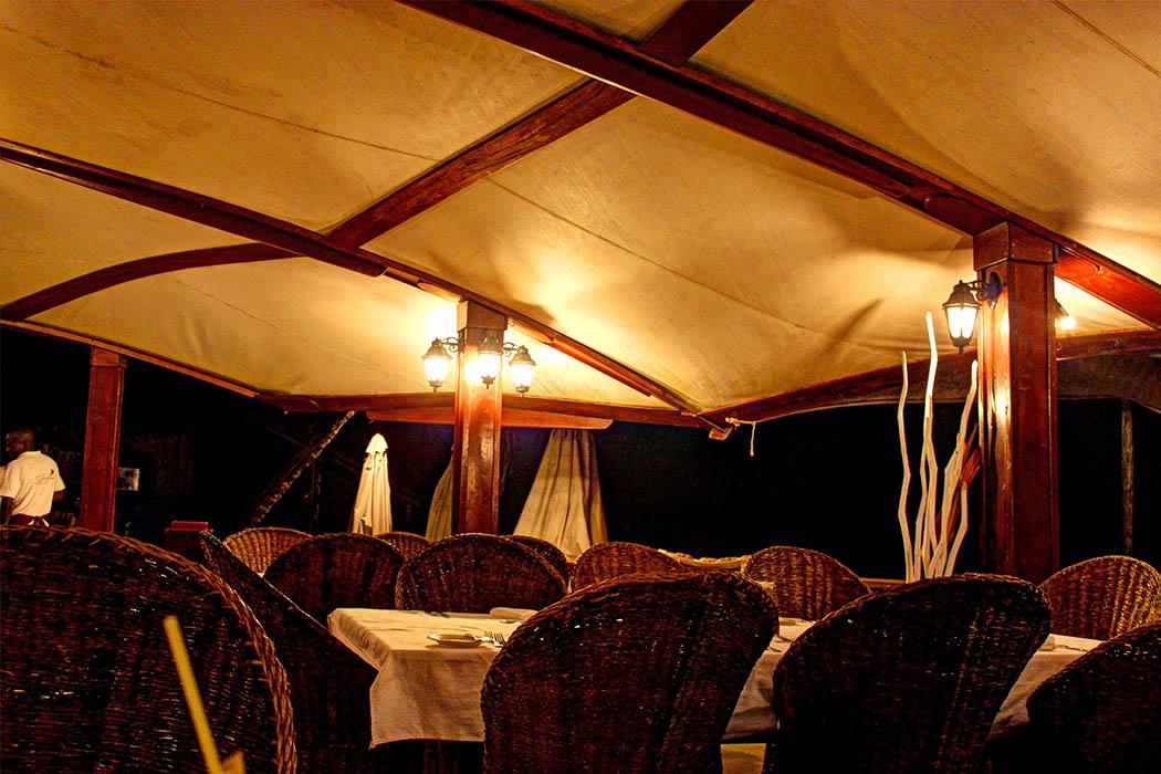 Sands at Nomad restaurant_Tables