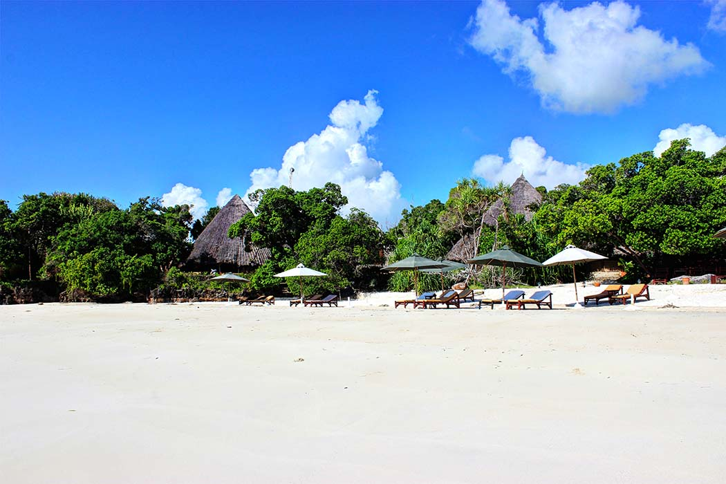 The Sands at Chale Island_beach 2