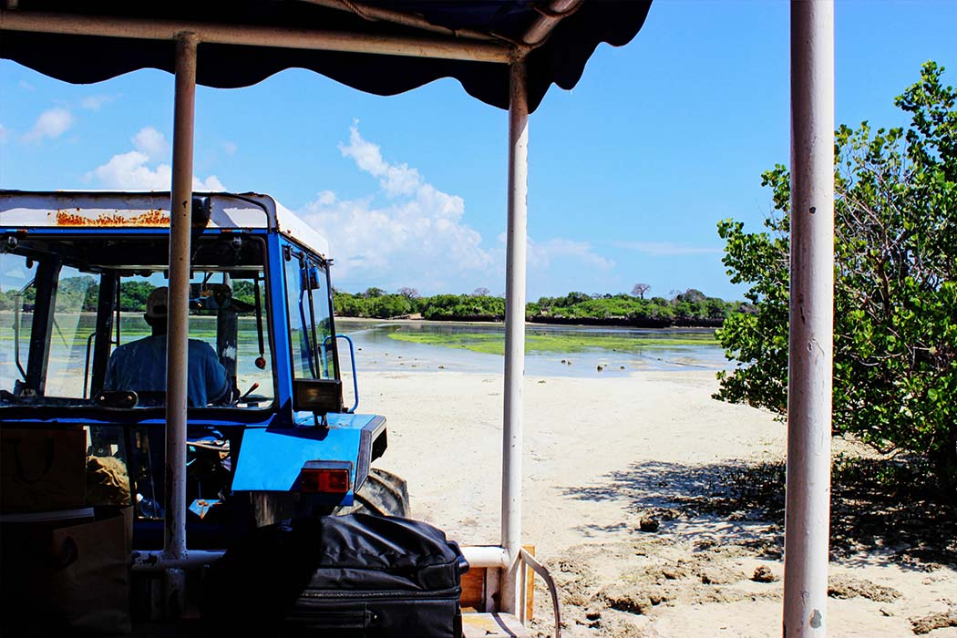 The Sands at Chale Island_tractor