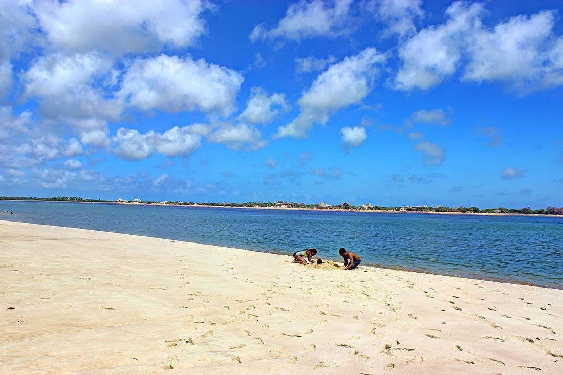 Shela Beach2