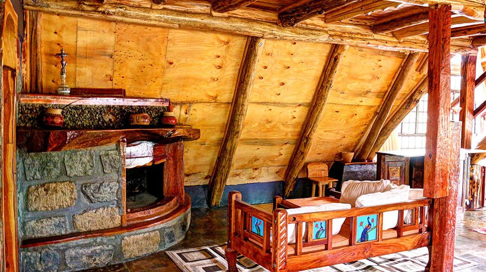Samawati Conservancy_Deluxe cabin fireplace (2)
