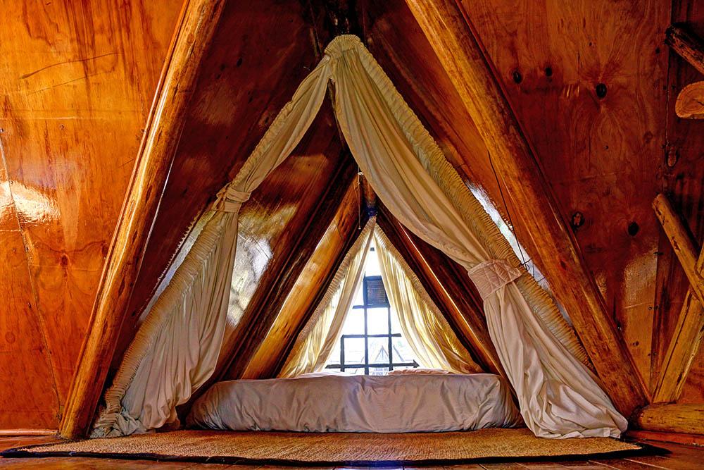 Samawati Conservancy_Standard cabin bedroom