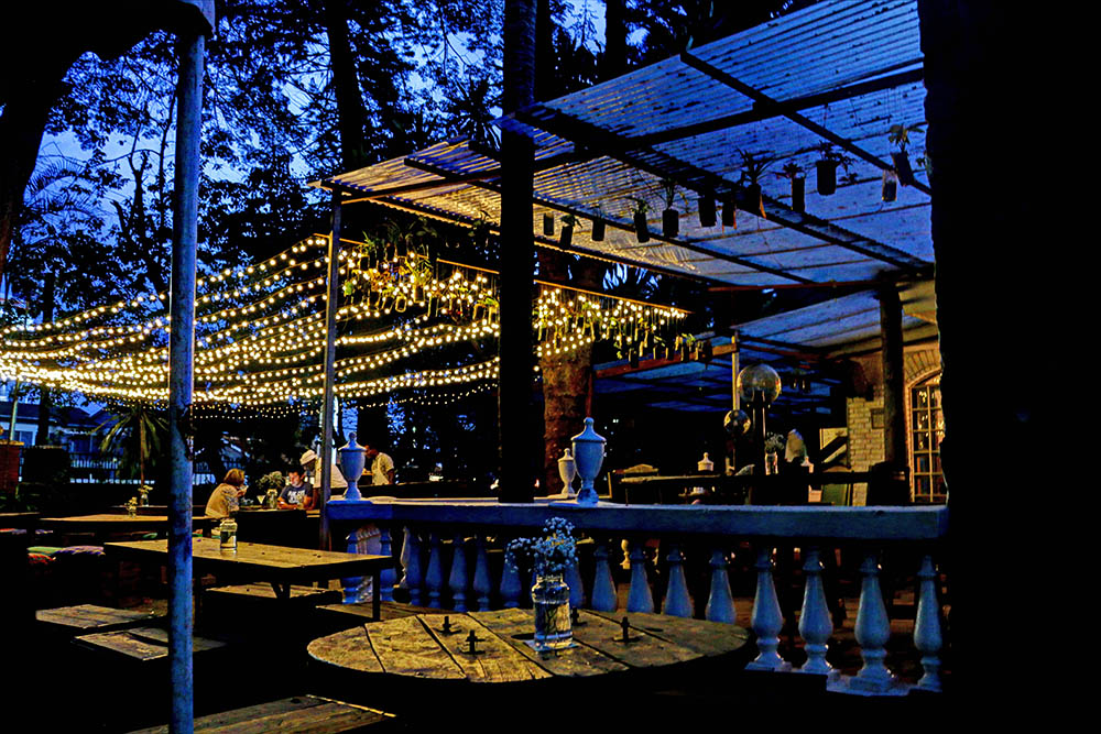 The Juniper Kitchen_By night