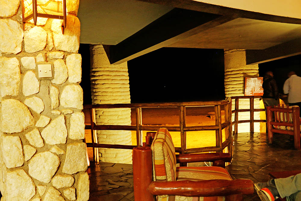 sarova-salt-lick-game-lodge_viewing-deck