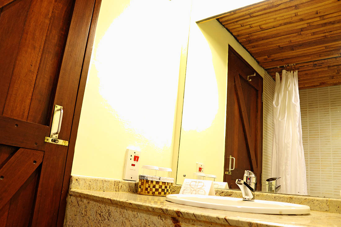 sarova-taita-hills-game-lodge_bathroom