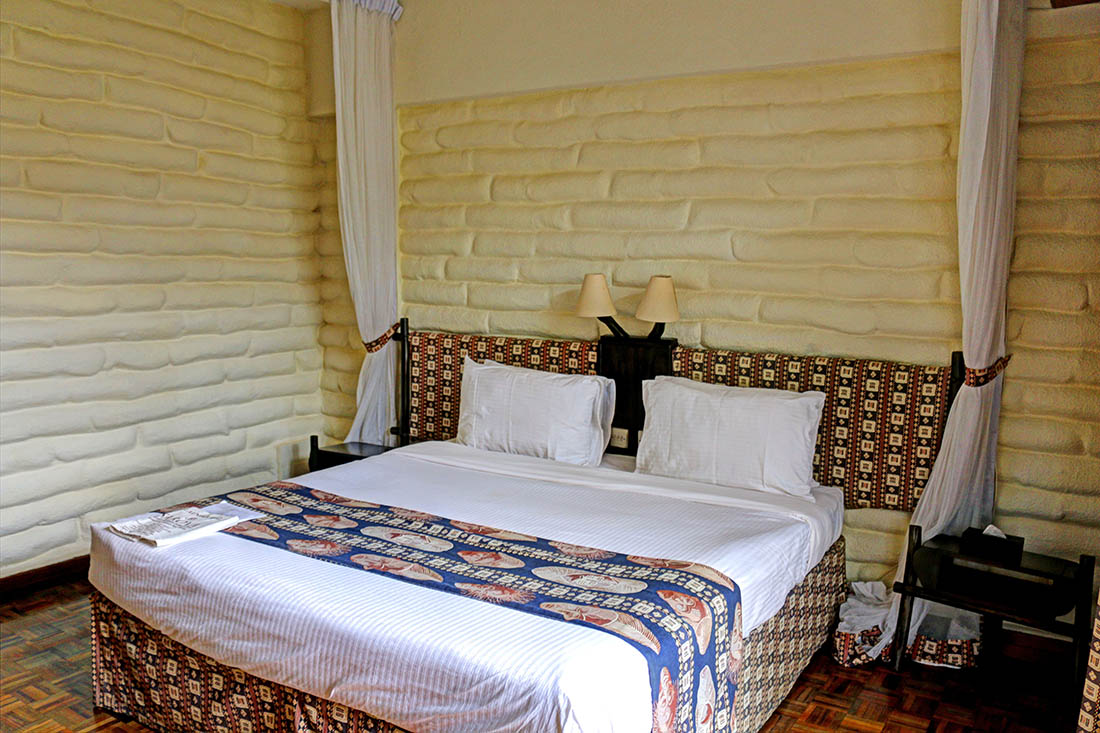 sarova-taita-hills-game-lodge_bed