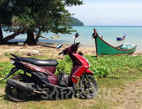 My-Motorcycle-in-island