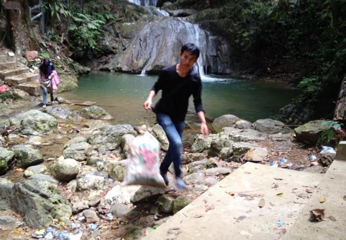 Safariku Bawa Sampah Kuta Malaka