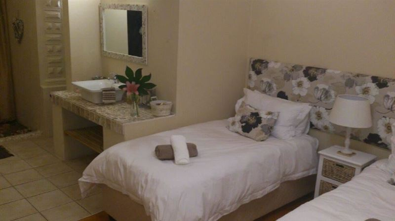 Shalom Bed and Breakfast Strand  Your Cape Town South Africa