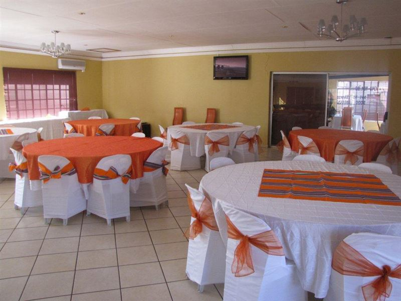 Muofhe Graceland Lodge in Thohoyandou  AirportStaycoza