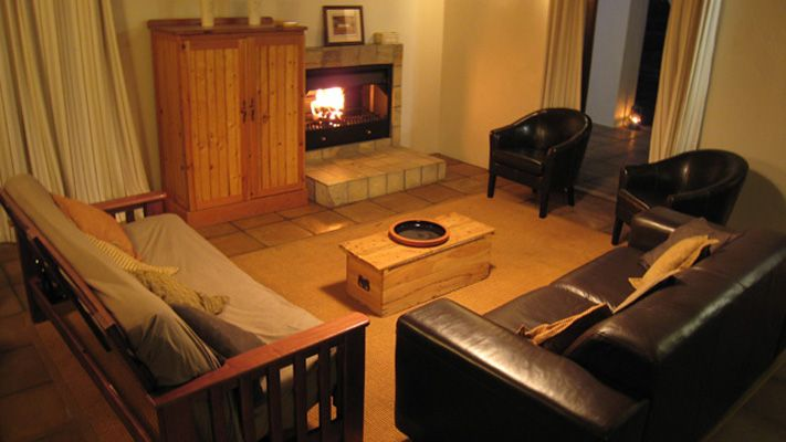 leather sofas western cape sofa cover cloth design pomegranate cottage - citrusdal accommodation ...