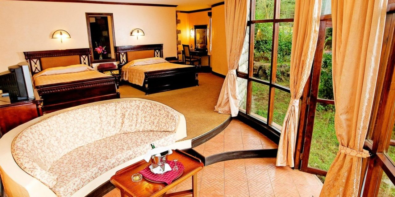 5 Days Luxury Lodge Safari