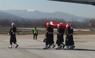 Şehit P.Tğm. Sinan Bilir'i Göz Yaşlarıyla Tokat Son Yolculuğuna Uğurladı