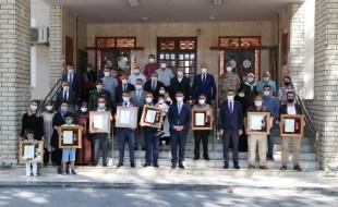 Vali Dr. Ozan Balcı, Şehit Ailelerine ve Gazilere Devlet Övünç Madalyası ve Beratını Tevdi Etti