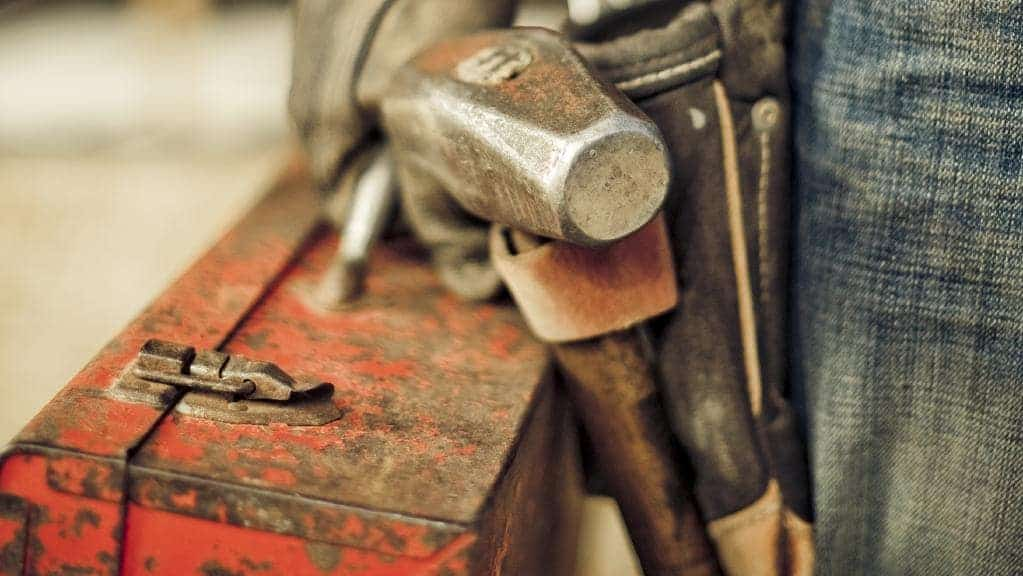 a hammer of a tradie