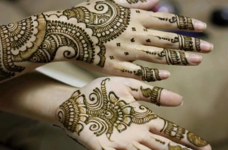 gambar tatto henna tangan cantik