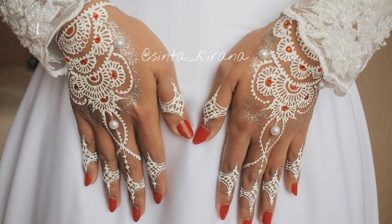 henna putih pernikahan