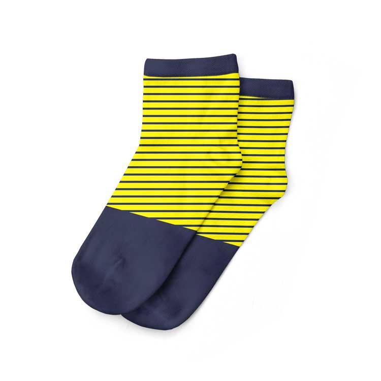 Kaos kaki pendek untuk pria berani