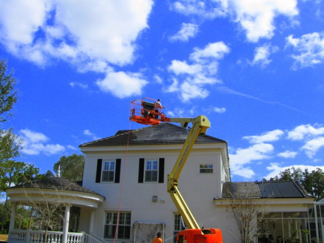 Tile Roof Cleaning Tampa Florida Using Lift