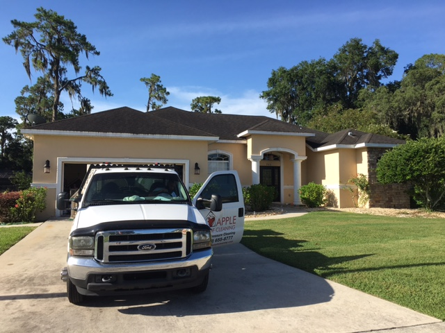 dirty roof being cleaned in riverview florida