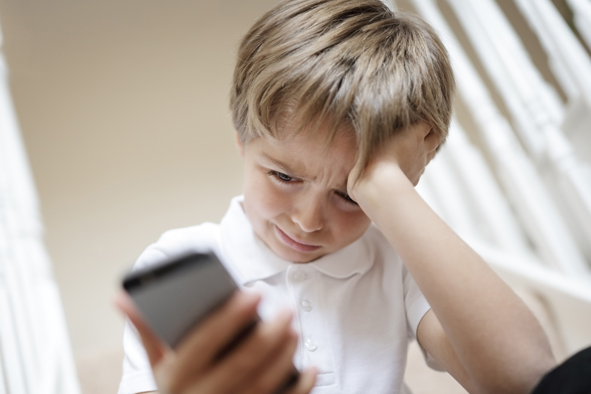 How to Ensure Kids Safety Online and Prevent Cyber Bullying