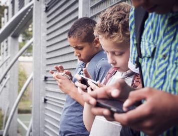 cell-phones-in-school