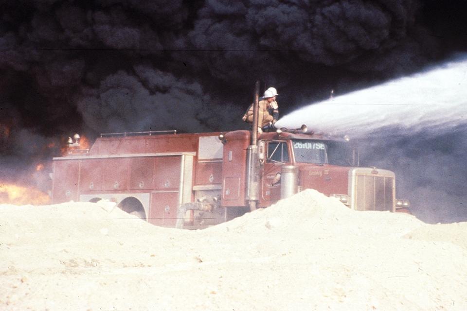 smokeyIII in kuwait_2–