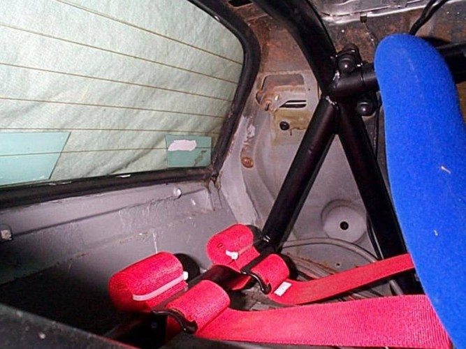 Triumph TR8 Coupe 6 Point Boltin Roll Cage  Safety