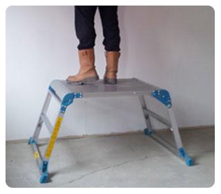 Wide folding work platform
