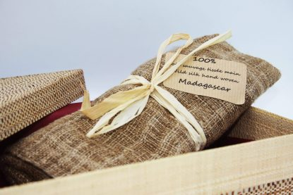 Écharpe en soie avec le coffret