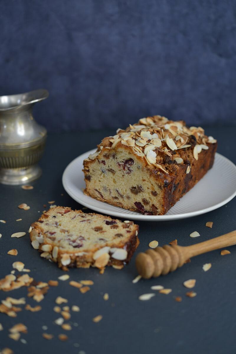 Cake aux Fruits Secs et Miel