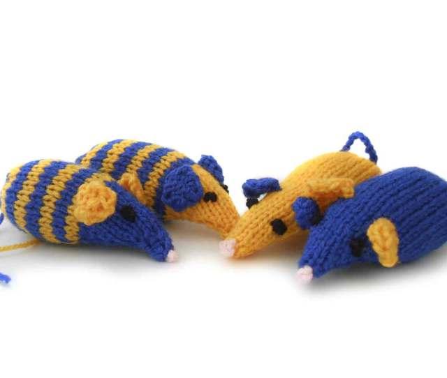 Knitted Catnip Mice