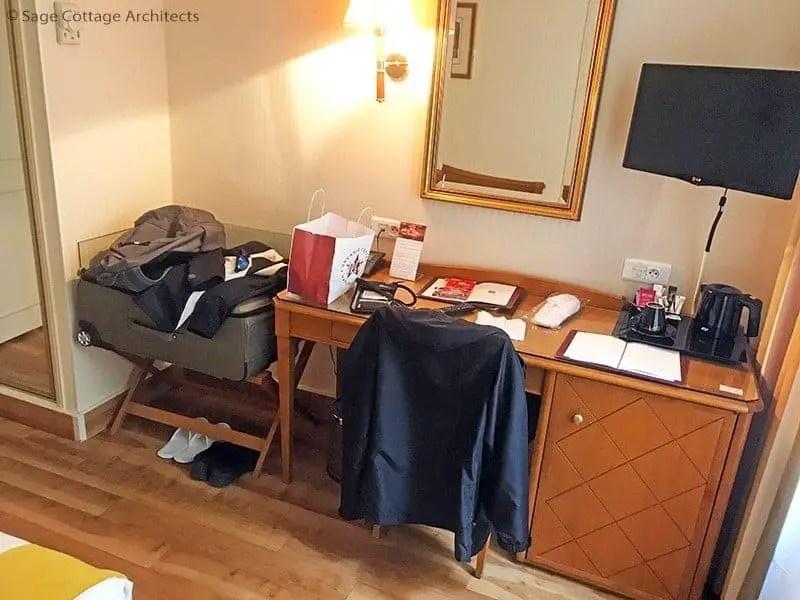 Hotel Etats-Unis Opéra hotel room