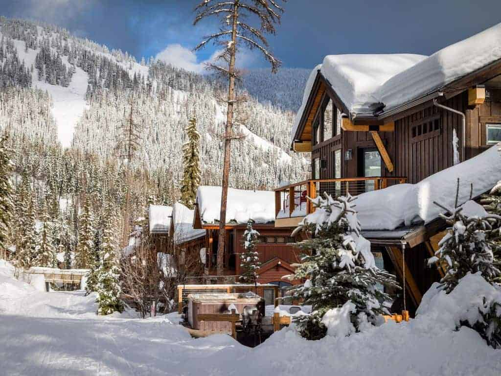 Picture of a beautiful ski vacation home.