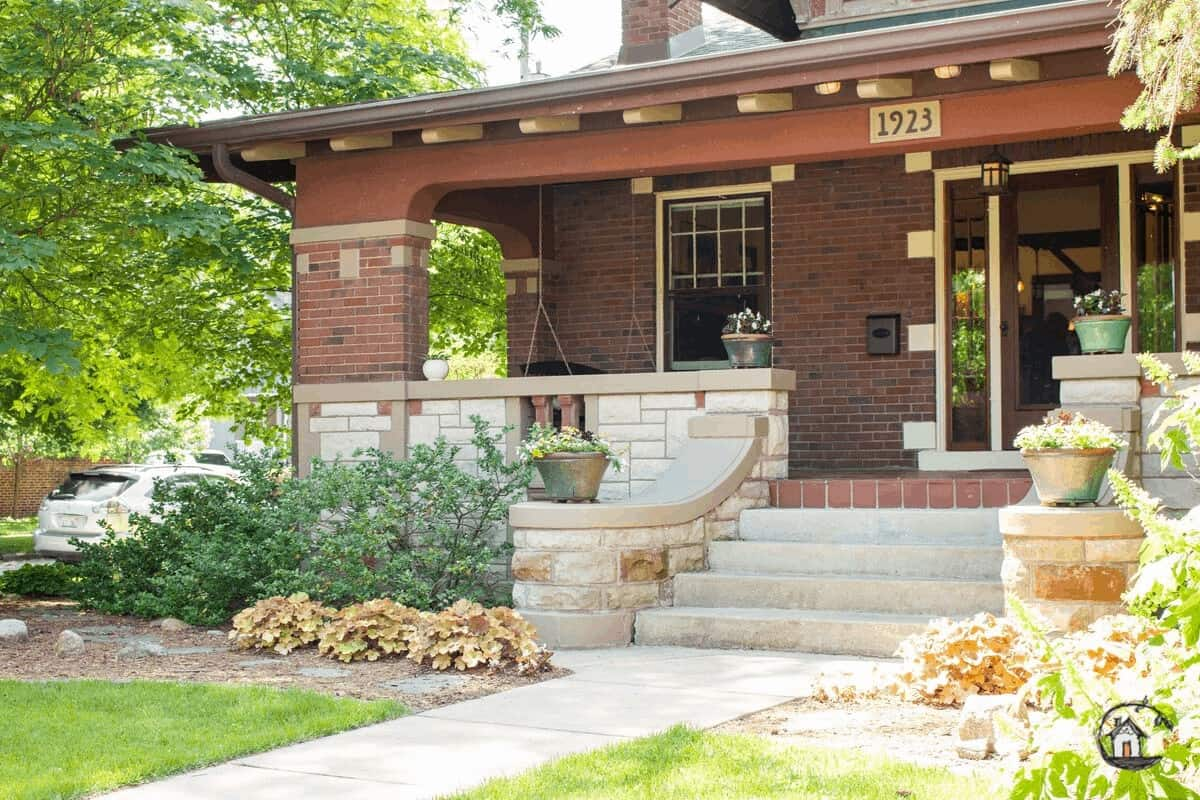 Photo of Arts & Crafts bungalow on Old House Tour